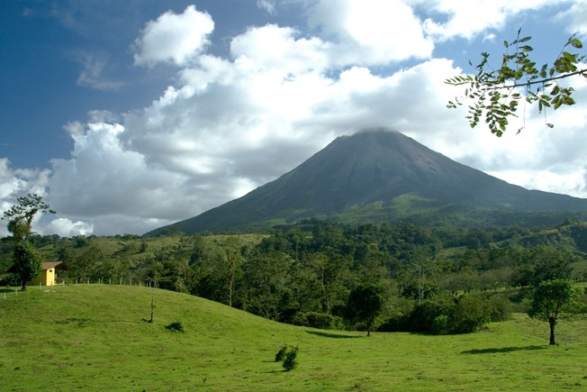 costa-rica-arenal-volcano-view.jpg