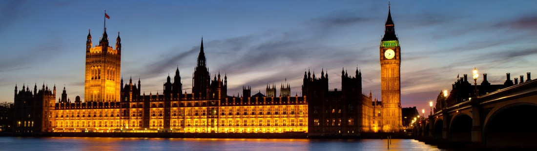 england-london-parliament-at-night-and-river-wide.jpg