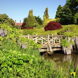 England's Castles, Manors & Gardens