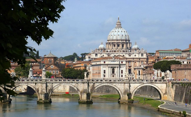 italy-rome-tiber-river-with-vatican-view.jpg
