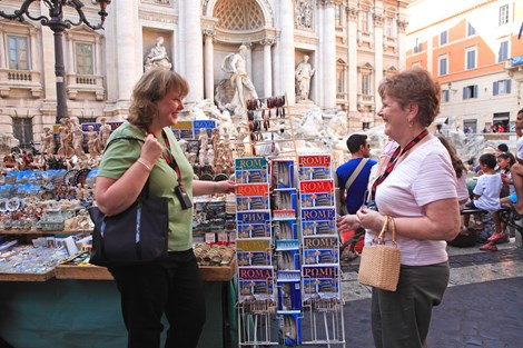 italy-rome-trevi-fountain-two-ladies-shopping.jpg