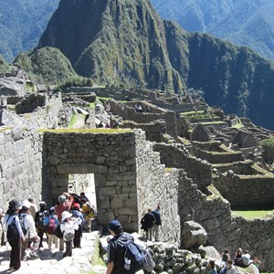 peru-machu-picchu-with-tourists.jpg