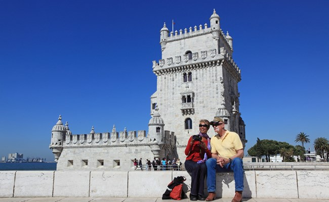 portugal-lisbon-monument-to-the-discoveries-with-couple.jpg
