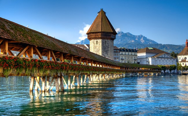 switzerland-lucerne-chapel-bridge.jpg