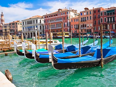italy-venice-gondolas-all-in-a-row.jpg