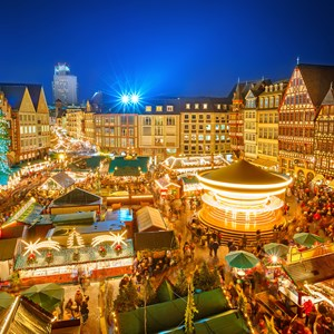 germany-frankfurt-christmas-market-at-night.jpg
