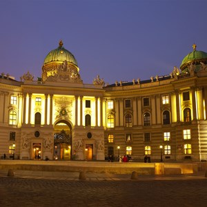 austria-vienna-hofburg-palace-in-winter.jpg
