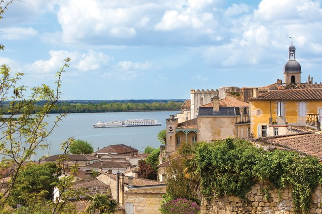 River Royale, Blaye