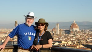 italy-florence-couple-with-view-from-piazza-michelangelo.jpg