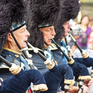 scotland-pipers-in-blue.jpg