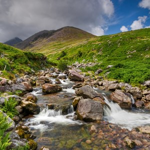 ireland-ring-of-kerry-creek-water-rushing-over-rocks.jpg
