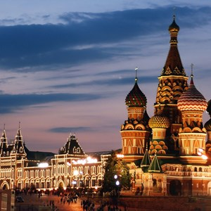 russia-moscow-st-basils-at-night.jpg
