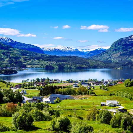 norway-geiranger-countryside.jpg