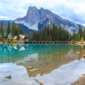canada-yoho-national-park-emerald-lake.jpg