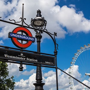 great-britain-london-eye-millennium-wheel-ferris-wheel-south-bank-underground-tube-westminster-station-streetlamp.jpg