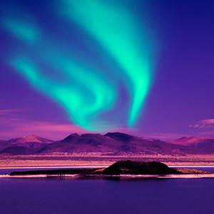 iceland-northern-lights-blue-turquoise-purple-sky-night.jpg